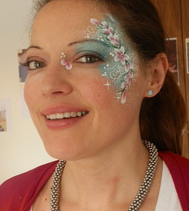 Face painter glasgow fab 39 n 39 funky faces professional for Face painting business